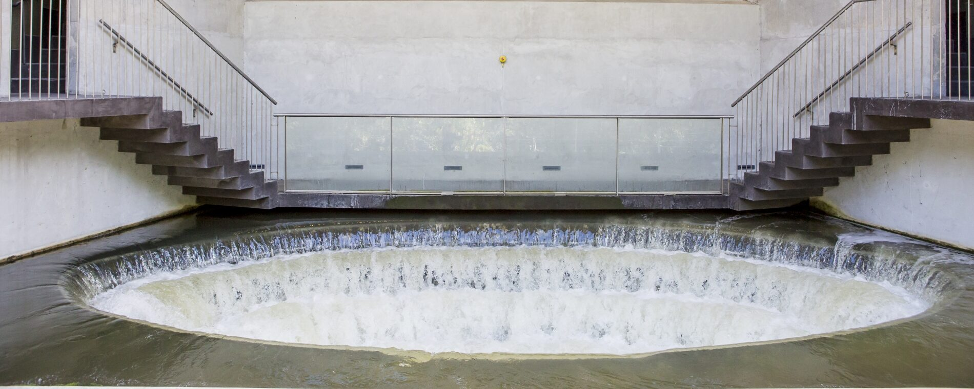 http://Renat%20avloppsvatten%20rinner%20ut%20genom%20Gryaabs%20vattensnäcka.